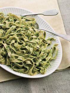 whole wheat fresh pasta with arugula-manchego pesto