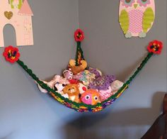 How to Crochet a Toy Storage Hammock: 15 Steps