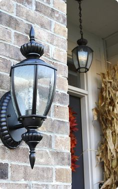 Painting outdoor lights! YES! Because contractor brass should be illegal!
