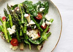 Do you ever get to January and realize there is no more asparagus in the shops and you only bought it a few times and now you're gonna miss it for the next 9 months? Yeah, us too, so grab while it's good - it's perfect in this simple, throw-together salad! INGREDIENTS Half a bunch of asparagusR...