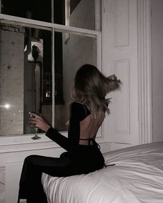 Cute Hairstyles and party hairstyles Boujee Aesthetic, Bad Girl Aesthetic, Aesthetic Pictures, Look Kylie Jenner, Photographie Portrait Inspiration, Mode Ootd, Insta Photo Ideas, Rich Girl, Photography Poses