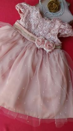 Vestido Infantil de Festa Pequena Rosa Wedding Flower Girl Dresses, Little Dresses, Little Girl Dresses, Pretty Dresses, Girls Dresses, Fashion Kids, Girl Fashion, Girls Party Dress, Baby Dress