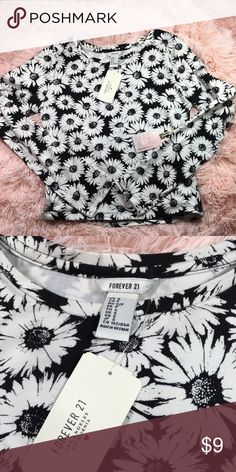 F21 daisy crop long sleeve New with tags Size S 🚨 NO TRADES!  OFFERS WELCOME !  •Please use the offer button for any offers  •No low balling !  •Everything cheaper thru merc, vinted, & fashion stash .  •Bundle and automatically save 10% Forever 21 Tops Crop Tops