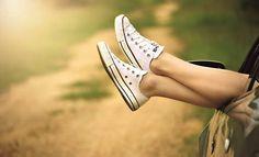 Converse Chuck Taylor All Star Ox, Zapatillas Unisex Adulto Varicose Vein Remedy, Varicose Veins, Vans Sneakers, Chuck Taylor Sneakers, White Sneakers, White Converse, Chronischer Stress, Reduce Stress, Stress Free