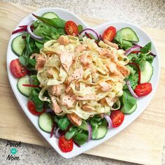 Syn Free Lemon Pepper Salmon Tagliatelle Slimming World Slimming World Fish Recipes, Slimming World Dinners, Healthy Eating Recipes, Diet Recipes, Cooking Recipes, Healthy Food, Recipies, Healthy Salmon Recipes, Savoury Recipes