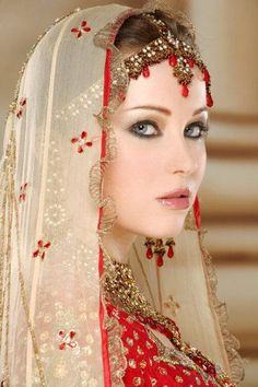 this picture is here only for the purpose of showing asian bridal dresses, makeup and photography. Pakistani Bridal, Indian Bridal, Beautiful Bride, Beautiful People, Collection Eid, Braut Make-up, Exotic Beauties, We Are The World, Bridal Makeup
