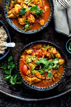 Chicken jalfrezi in your Instant Pot - delicious, easy and Slimming World friendly Healthy Chinese Recipes, Indian Food Recipes, Asian Recipes, Healthy Recipes, Ethnic Recipes, Healthy Foods, Supper Recipes, Lunch Recipes, Tomato Curry