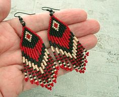 Crafts, beading, greeting cards, digital graphics, tutorials and more. Seed Bead Jewelry, Bead Jewellery, Seed Bead Earrings, Seed Beads, Jewlery, Beaded Earrings Native, Beaded Necklace Patterns, Fringe Earrings, Ear Cuff Tutorial