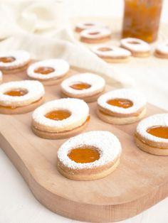 Recette & Biscuits «œufs de Pâques» – Loïcia Itréma Saveur, Doughnut, Biscuits, Desserts, Blog, Chocolates, Food, Crack Crackers, Tailgate Desserts