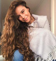 Wavy Hair, New Hair, Hair Inspo, Hair Inspiration, Camila Gallardo, Bad Girls Club, Curly Girl, Hair Goals, Curly Hair Styles
