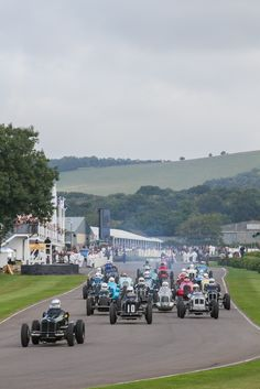 We love the Goodwood Mortor Circuit Goodwood Circuit, Classic Race Cars, Living In Europe, Goodwood Revival, Big Garden, Chichester, Vintage Racing, Countryside, Sailing