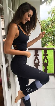 Check gym outfits for women fashion style fitness apparel, workout outfits for women cute, gym outfits for women curvy active wear, yoga outfits for women Yoga Outfits, Fitness Outfits, Fitness Fashion, Sport Outfits, Gym Fashion, Fashion Clothes, Women's Fashion, Fall Outfits, Womens Workout Outfits