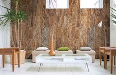 Kurk wandafwerking voor een natuurlijke uitstraling. Kurk is een natuurlijk, ecologisch product dat steeds vaker wordt toegepast op zowel de vloer als de wand. Als wandbekleding is kurk een goede keuze omdat het materiaal van nature een geluidsisolerende werking heeft. Wicanders