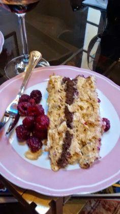 Fácil, fácil, fácil. Rica, rica, rica. Así es esta torta que me enseñó a hacer mi tía Nena, exquisita, fácil, rendidora y congelable, est...