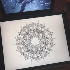Working ❤️ #amaziograph #ipadproart #geometry #wip #abstract #mandala #digitalart #bohoart #applepencil #linework
