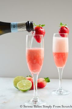 Strawberry Champagne is a fun cocktail perfect for any occasion! serenabakessimp… Strawberry Champagne is a fun cocktail perfect for any occasion! Disaronno Drinks, Champagne Recipe, Champagne Drinks, Champagne Punch Recipes, Beste Cocktails, Easy Cocktails, Ginger Ale, Cocktail Menu, Cocktail Recipes