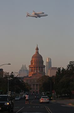 Endeavour over the Texas Capitol in Austin //
