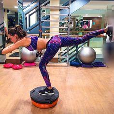 Para inspirar esse começo de ano, nada melhor do que admirarmos os looks fitness das famosas, não é verdade?! Para irmos na academia motivadas, também...