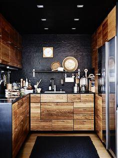 Wood + Black = Gorgeous!