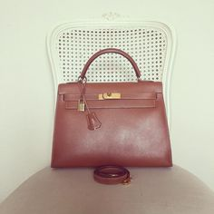 Vintage Hermes Kelly 32 Handbag (stamp X in circle) in Gold Epsom Gold Hardware Used to Good Condition 155000 baht