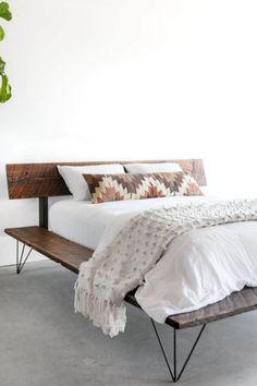 Raised Platform Bed, Diy Platform Bed, Floating Platform, Cama Industrial, Casa Loft, Bedding Inspiration, Pallet Beds, Design Studio, House Design
