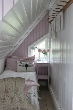Tiny lavender bedroom makes great use of space under the eaves. Tiny lavender bedroom makes great use of space under the eaves. Very Small Bedroom, Attic Bedroom Small, Attic Bedroom Designs, Attic Design, Attic Spaces, Attic Bathroom, Extra Bedroom, Tiny Bedrooms, Attic Playroom