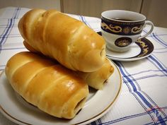 Crenvurşti în aluat Hot Dog Buns, Hot Dogs, Bread, Recipes, Food, Romanian Recipes, Brot, Recipies, Essen