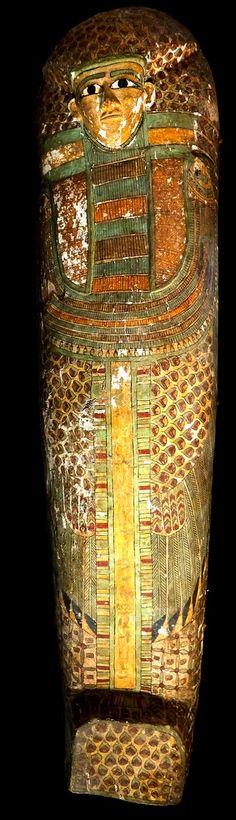 17th Dynasty Rishi coffin discovered in Dra Abu El Naga | Luxor Times