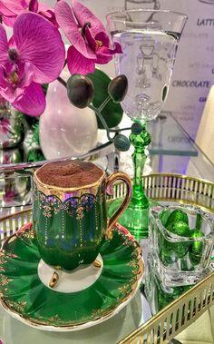 Coffee Vs Tea, V60 Coffee, Coffee Break, Coffee Time, Tea Time, Coffee Cups, Coffee Maker, Turkish Coffee, Party Drinks