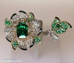 Emerald ring from the Emeraude en Majesté collection by @vancleefarpels #vancleefonkaterinaperezcom #highjewellery #EmeraudeenMajesté