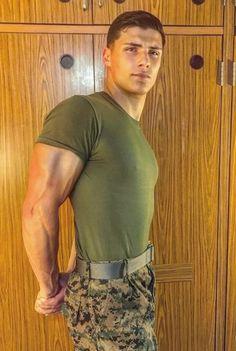 Hot Army Men, Sexy Military Men, Hot Men, Beautiful Men Faces, Gorgeous Men, Hot Cops, Hunks Men, Hommes Sexy, Men In Uniform