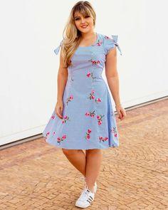 Curvy Fashion Advice - Curvy Fashion Advice Source by - Stylish Dress Designs, Stylish Dresses, Casual Dresses, Fashion Dresses, Colorblock Dress, Striped Dress, Curvy Women Fashion, Girl Fashion, Plus Size Dresses