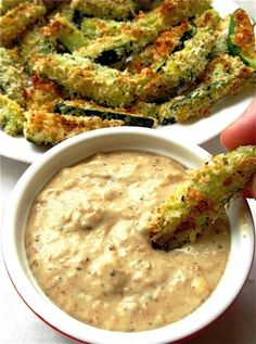 Baked Zucchini Sticks and Sweet Onion Dip. I didn't make the dip, but the zucchini sticks were yummy. I didn't make enough Baked Zucchini Sticks, Bake Zucchini, Zucchini Fries, Zuchinni Sticks, I Love Food, Good Food, Yummy Food, Healthy Snacks, Healthy Eating
