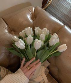 Beige Aesthetic, Flower Aesthetic, Aesthetic Photo, Aesthetic Pictures, Wild Flowers, Beautiful Flowers, Planting Flowers, Flower Arrangements, Floral