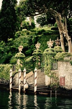 Water Gate of Villa Babianello, Lake Como More, Italy Places Around The World, Oh The Places You'll Go, Places To Travel, Around The Worlds, Italian Garden, Italian Villa, Lac Como, Siena Toscana, Tuscany