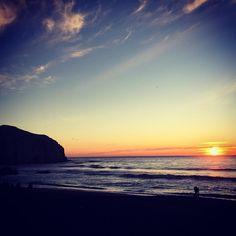 No puedo venir a Conty sin ver una puesta de sol ☺️ #Constitución #Atardecer #Afternoon #Junio #June #Sábado #Saturday #Playa #Beach #Cielo #Sky #Colores #Colors #Invierno #Winter #PuestaDeSol #Sunset