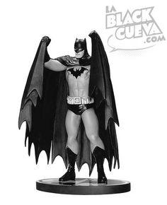 Batman Black and White Estatua de Matt Wagner