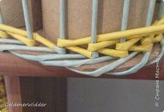 Японское послойное плетение, если я не очибаюсь то именно так и  наывается :). ряд за рядом: влево, в право, влево , в право...  Очень советую использовать форму для оплетания. А то легко может съехать на бок. фото 10