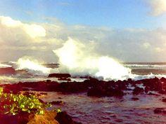 'Brandung an der Küste von Kauai, Hawaii' von Dirk h. Wendt bei artflakes.com als Poster oder Kunstdruck $18.03