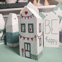 Art houses, wooden house, wooden crafts, house little houses, ho Wood Block Crafts, Wooden Crafts, Wood Blocks, Wood Projects, Woodworking Projects, Home Crafts, Diy And Crafts, Small Wooden House, Driftwood Crafts
