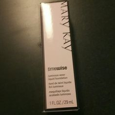 Ivory 4 luminous wear Foundation Luminous wear liquid foundation normal to dry skin and ivory 4 Mary Kay Makeup Foundation