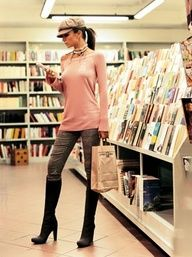 I don't know which I like better, the outfit or the book store :) Denim Fashion, Look Fashion, Fashion Beauty, Fashion Outfits, Womens Fashion, Fasion, Outfits With Hats, Fall Outfits, Cute Outfits