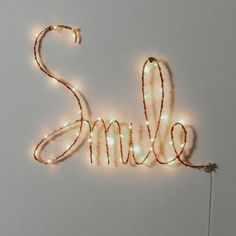 Other Image Motto Smile luminoso, Ojie La Redoute Interieurs Diy Room Decor For Teens, Cute Bedroom Decor, Cute Bedroom Ideas, Teen Room Decor, Wall Stickers Vines, Creative Wall Painting, Lip Wallpaper, Canvas Art Projects, Unicorn Wall Art