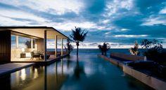 Bali – die Insel, auf der Fenster und Wände im Wohnzimmer reinste Verschwendung wären.  http://www.lastminute.de/reisen/667-76183-hotel-alila-villas-soori-tanah-lot/?lmextid=a1618_180_e30