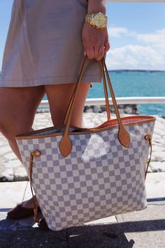 Louis Vuitton Handbag Neverfull GM-- since everyone has the regular LV print. This one is a little more subdued. #Louis #Vuitton #Neverfull
