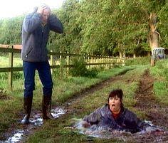 The Vicar of Dibley Puddle scene British Tv Comedies, British Comedy, British Humour, British Actors, British History, Vicar Of Dibley, Dawn French, Michael Palin, Vicars