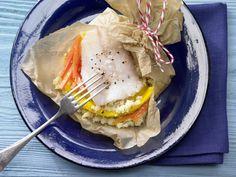 Fischfilet in Pergament - auf Möhren-Mango-Couscous - smarter - Kalorien: 450 Kcal - Zeit: 20 Min. | eatsmarter.de Bei der Eskimo-Diät stehen besonders Fisch und Gemüse auf dem Speiseplan. Mit Möhren-Mango-Couscous wird es exotisch.