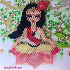 Ça y est enfin ! Ma participation au concours #miyukivoyageenasie organisé par @petit_bout_de_chou_hk @teaforyoubijoux et @perles and. J'ai décidé de vous faire voyager en Inde avec un petit moment de méditation. Le dessin de l'arbre de vie est de moi aussi.#miyuki #miyukivoyageenasie #perlesmiyuki #miyukibeads #miyukiaddict #brickstitch #jenfiledesperlesetjassume #jenfiledesperlesetjoubliedemarreter #perleuseaddict #perleusecompulsive #inde #indianart #meditation #bonsaï #perlesandco…