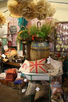 Spool 72 at Farm Chicks..........love the stand for the enamel wash tub - maybe a tv tray stand would work?