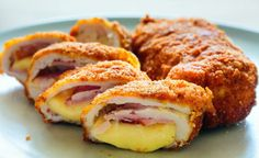Air Fryer Chicken Cordon Bleu - make your own, homemade chicken cordon bleu and cook it in the air fryer for a healthier version to this popular dish! Informations About Air Fryer Chicken Cordon Bleu Frango Cordon Bleu, Chicken Cordon Blue, Romanian Food, Air Fryer Recipes, Fondue, Food Inspiration, Food To Make, Chicken Recipes, Chicken Meals